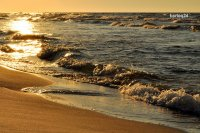 wschód słońca nad morzem